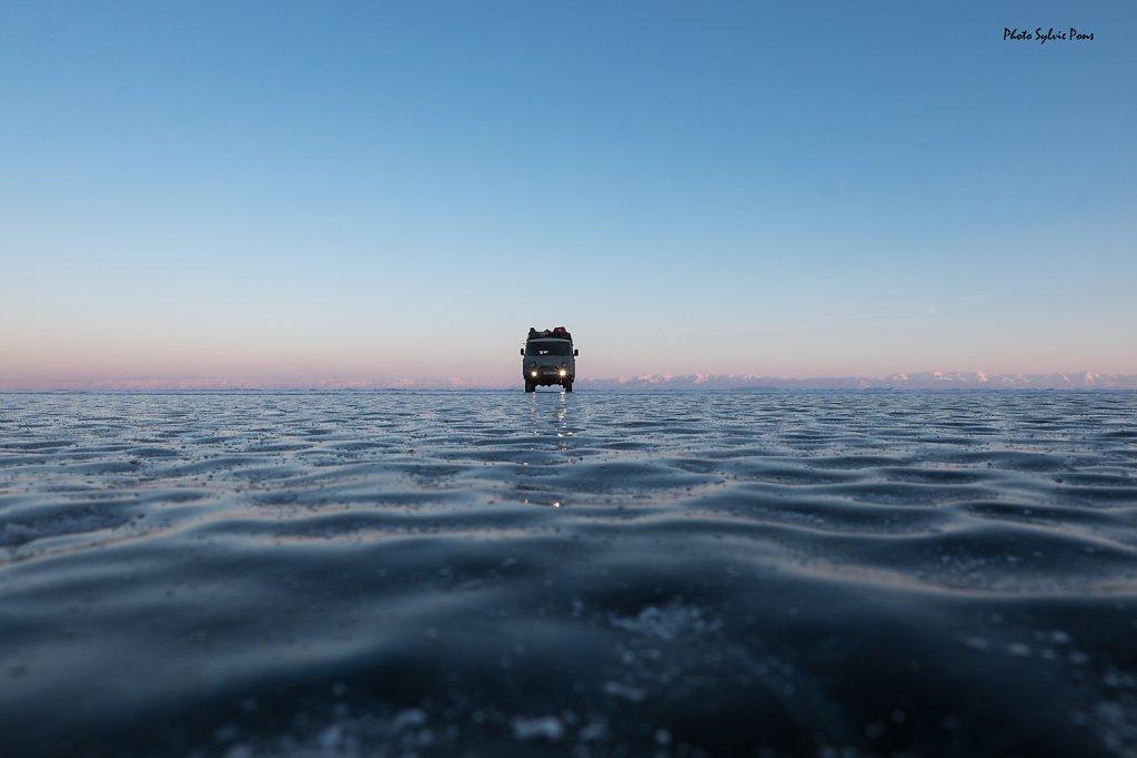 Baikal-2019-serie-bleue-SPons-7.jpg