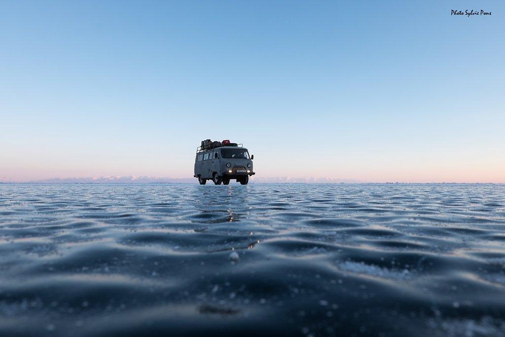Baikal-2019-serie-bleue-SPons-8.jpg